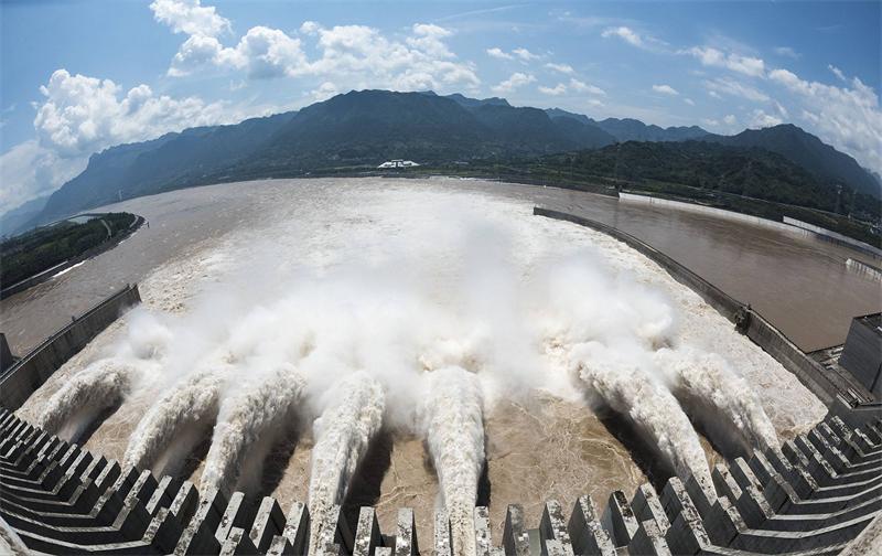 7三峡大坝.jpg